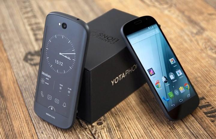 yotaphone.jpg