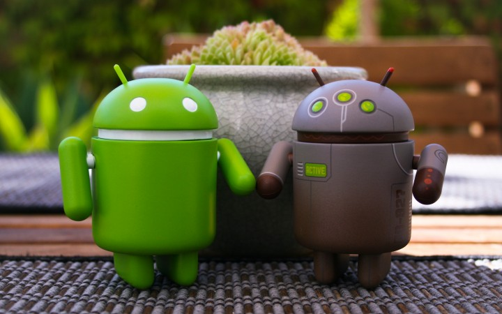 google-android-couple-desktop.jpg