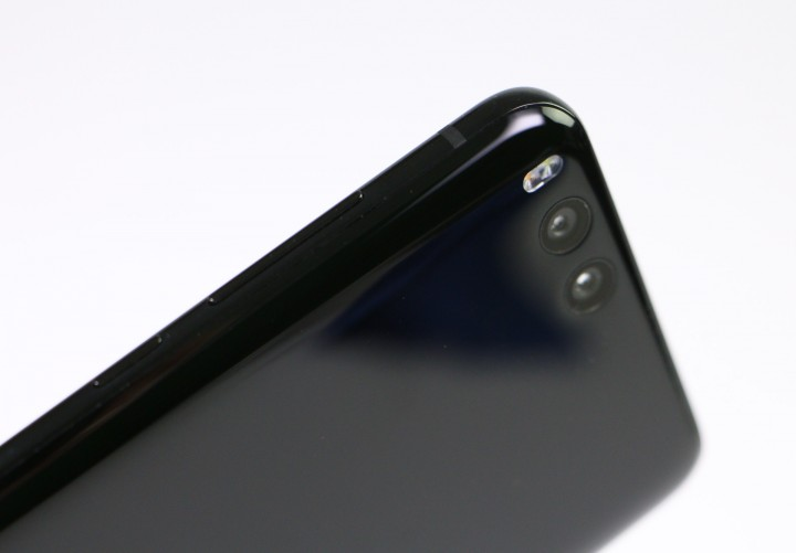 xiaomimi6_right_side.jpg