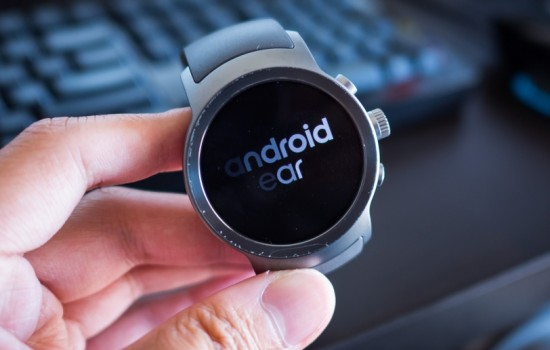 Google представил Android Wear на базе Android 8.0