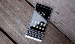 Анонсирован смартфон BlackBerry Key2 с улучшенной клавиатурой