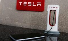 Tesla выпустила стильный пауэрбанк